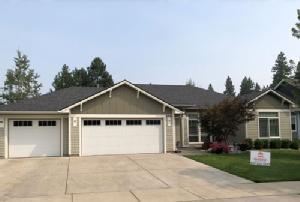 painting contractor Spokane before and after photo 1542644262801_beigehouse_ss